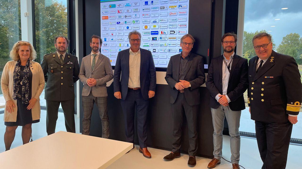 Defensie 100ste ondertekenaar 'Convenant waterstof in mobiliteit provincie Utrecht'